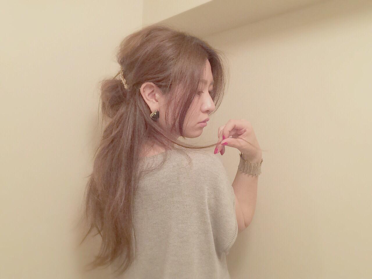 ウェーブ お団子 セルフヘアアレンジ 外国人風 ヘアスタイルや髪型の写真・画像