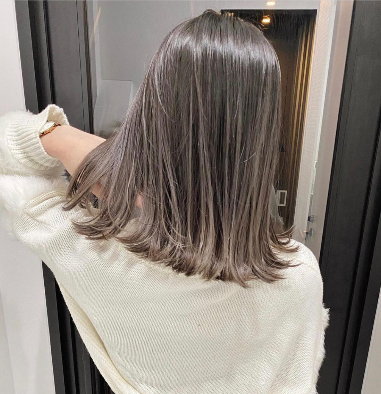 ミディアム グラデーションカラー ラベンダーグレージュ グレージュ ヘアスタイルや髪型の写真・画像