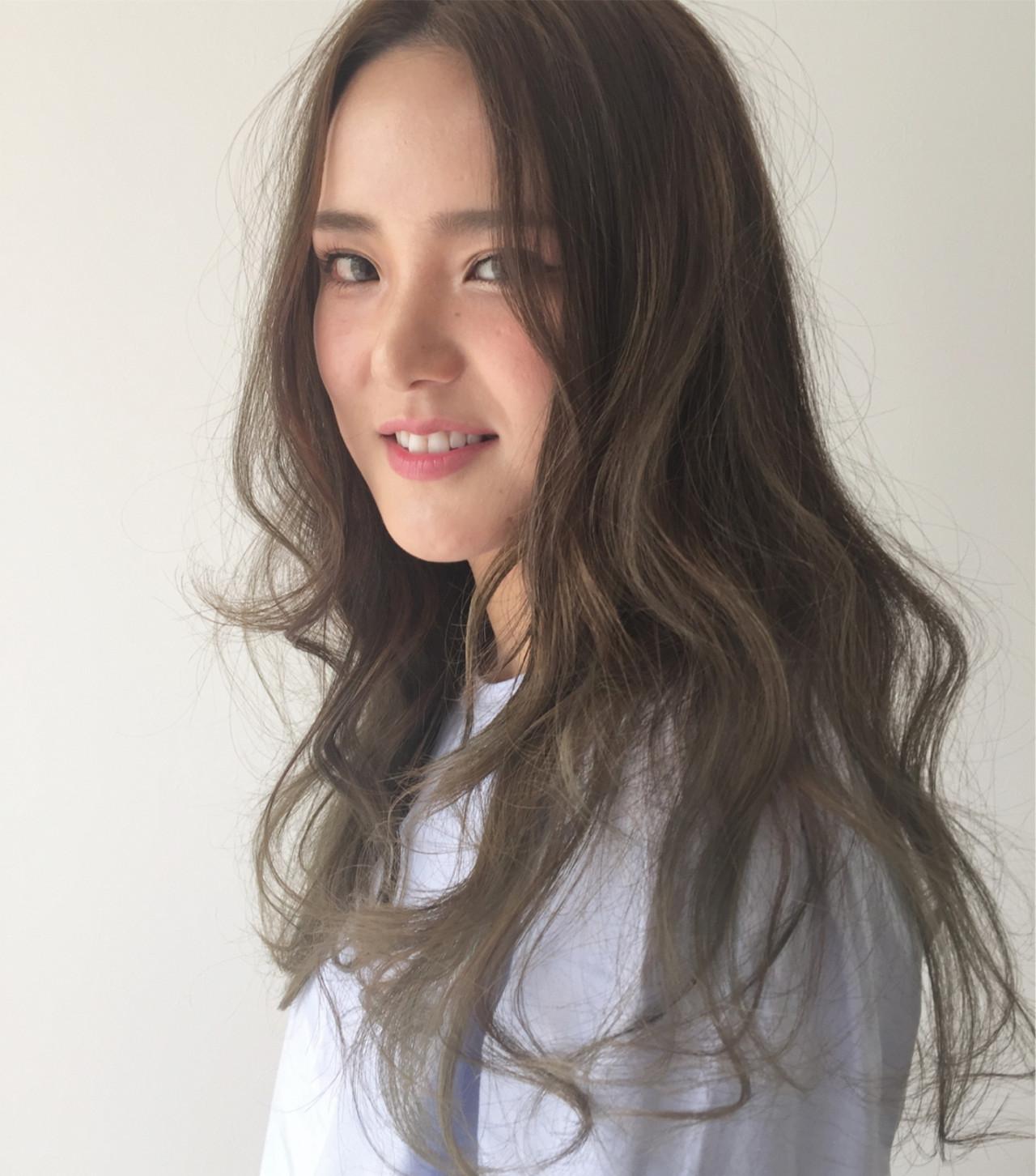ロング カーキ 春 大人かわいい ヘアスタイルや髪型の写真・画像 | 吉田 哲也 / Hair Gallery Chainon