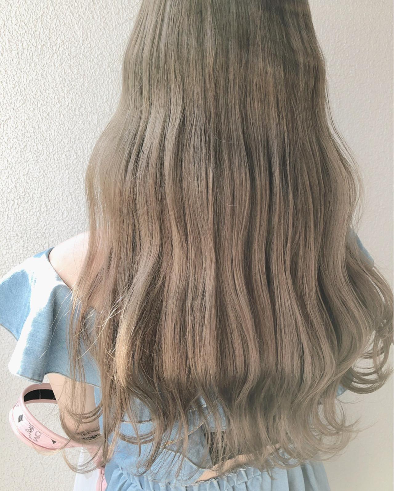 グレージュ ミルクティーベージュ ロング ミルクティー ヘアスタイルや髪型の写真・画像
