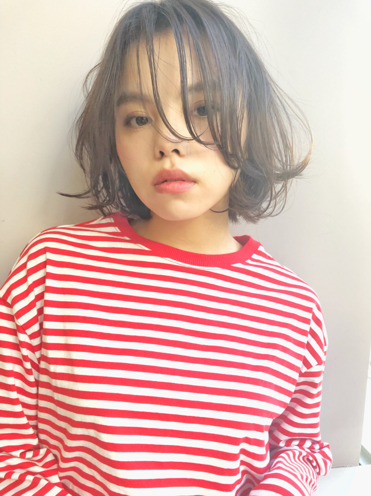 うざバング 外ハネ フェミニン ボブ ヘアスタイルや髪型の写真・画像