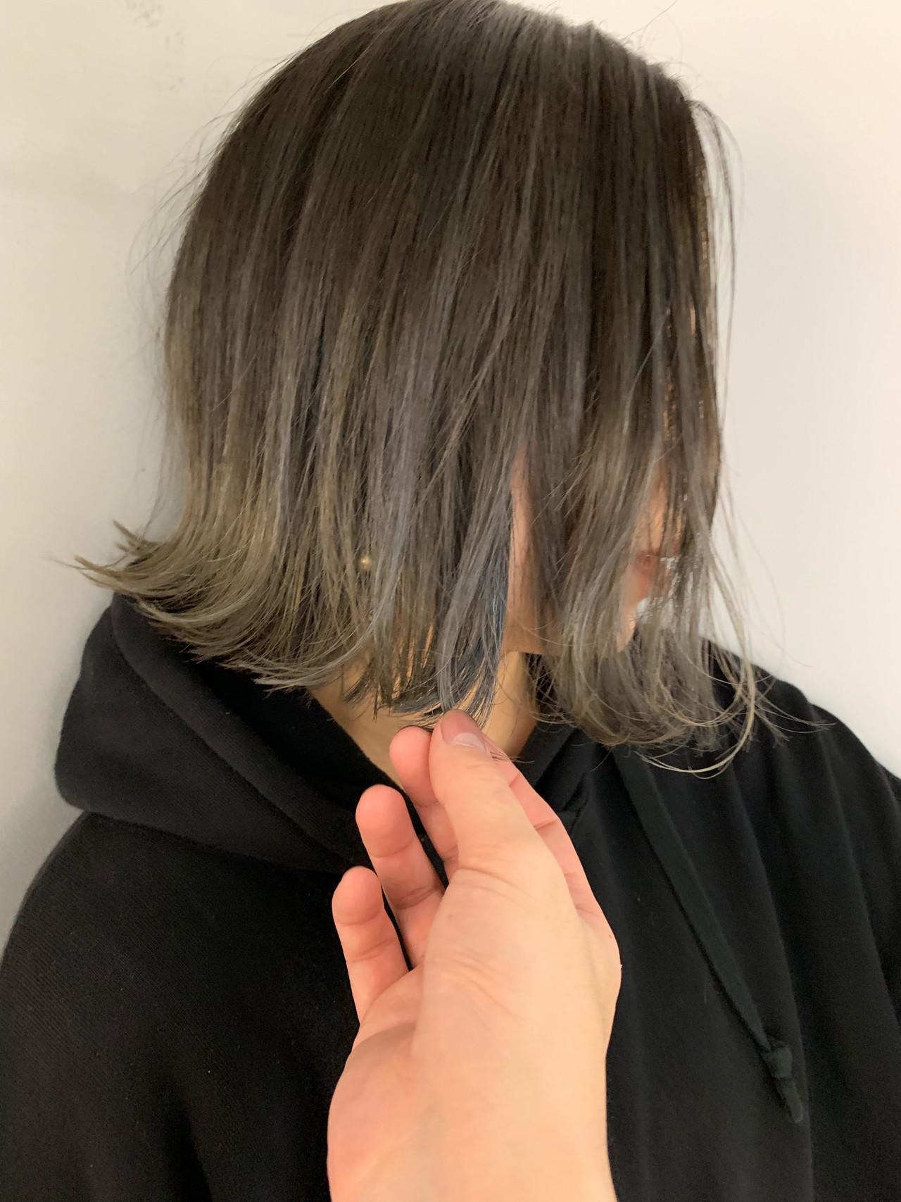 バレイヤージュ アッシュグラデーション 外ハネボブ ナチュラル ヘアスタイルや髪型の写真・画像