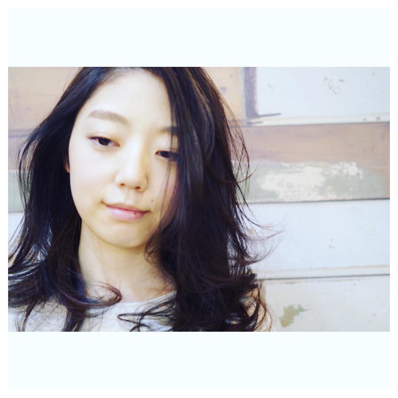 外国人風 ゆるふわ セミロング ナチュラル ヘアスタイルや髪型の写真・画像 | ken / sora