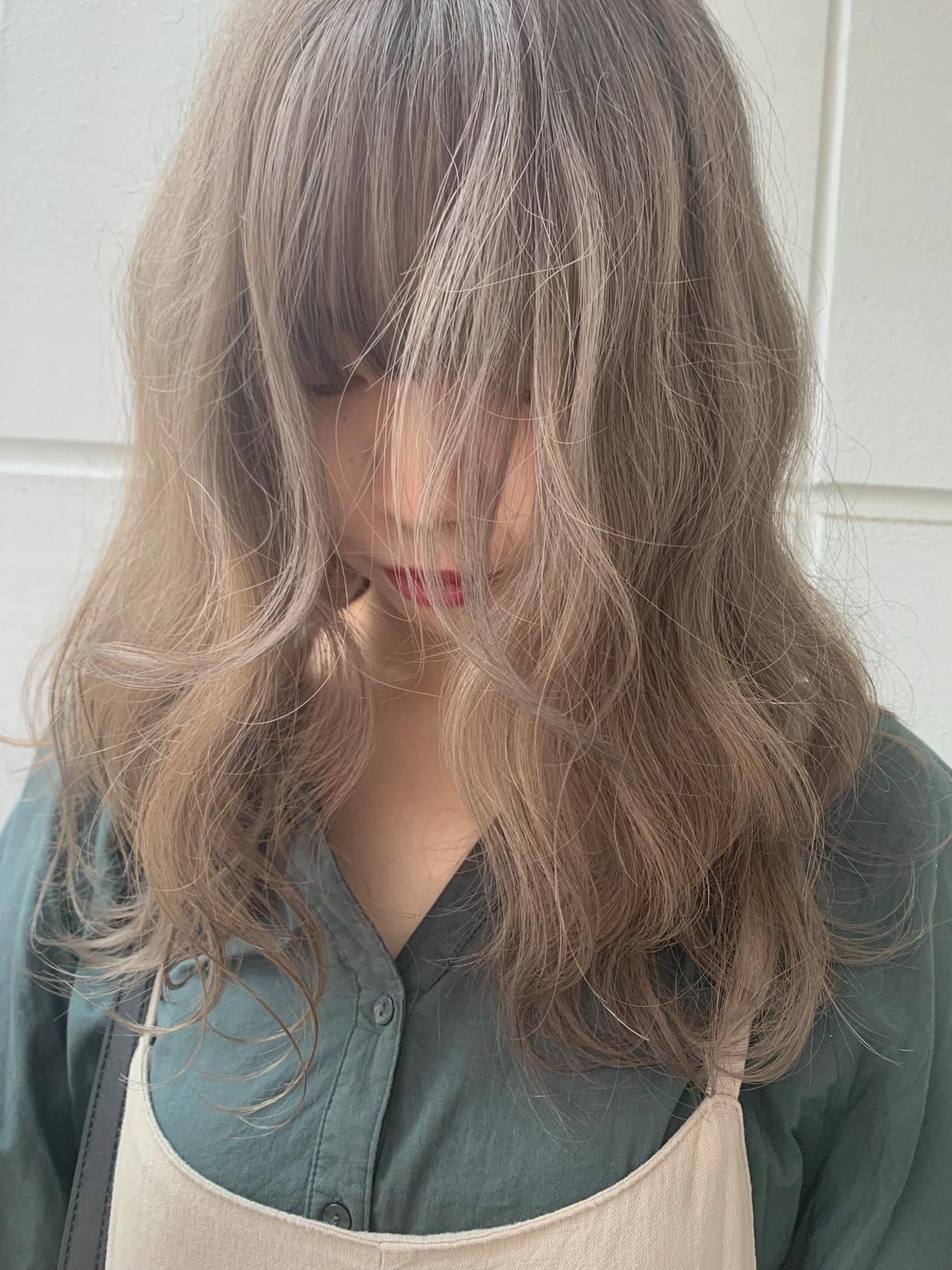 ミルクティーベージュ ミディアム シアーベージュ ブラウンベージュ ヘアスタイルや髪型の写真・画像 | 寺坂 雄飛 / banks hair