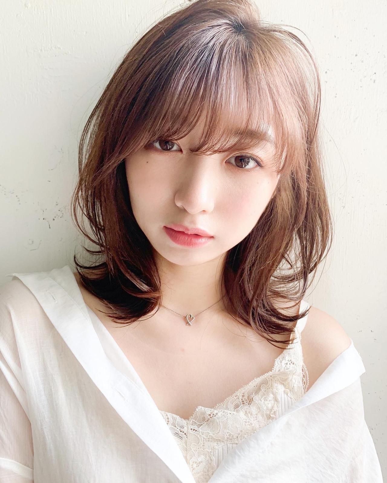 大人ミディアム ひし形シルエット 大人かわいい 外はね ヘアスタイルや髪型の写真・画像