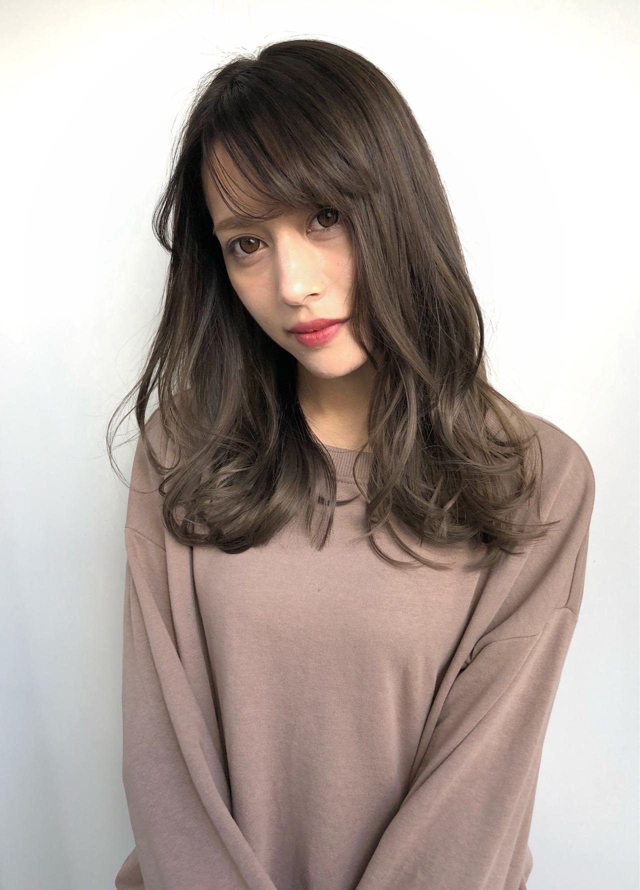 フェミニン セミロング デート パーマ ヘアスタイルや髪型の写真・画像