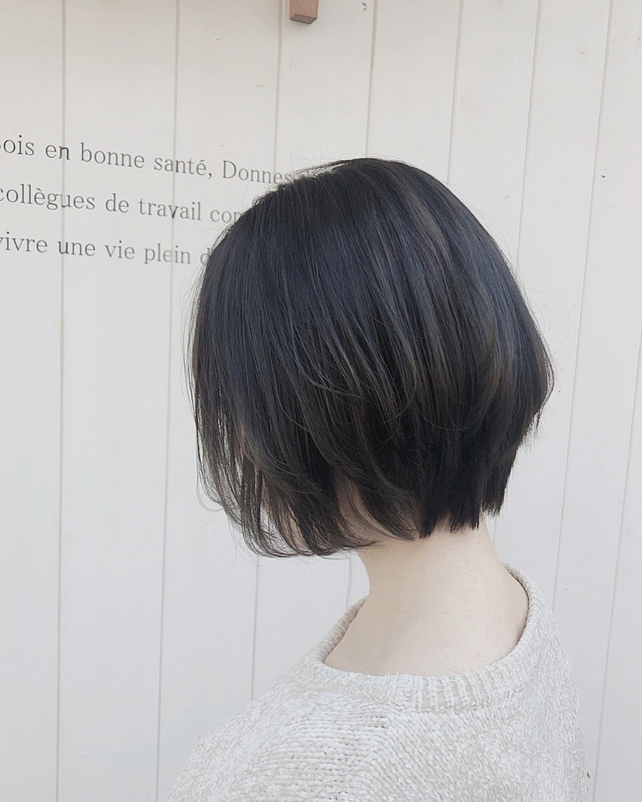 ベリーショート インナーカラー ボブ 切りっぱなしボブ ヘアスタイルや髪型の写真・画像