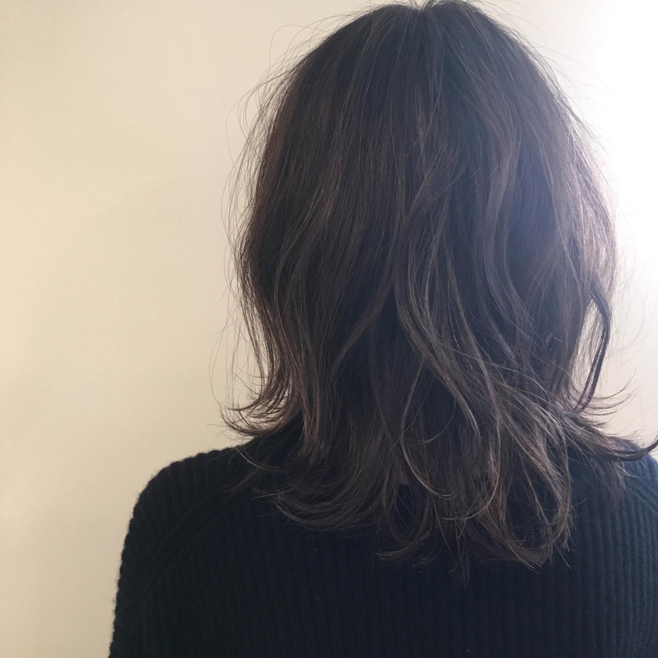 アッシュ ナチュラル 外ハネ 外国人風 ヘアスタイルや髪型の写真・画像