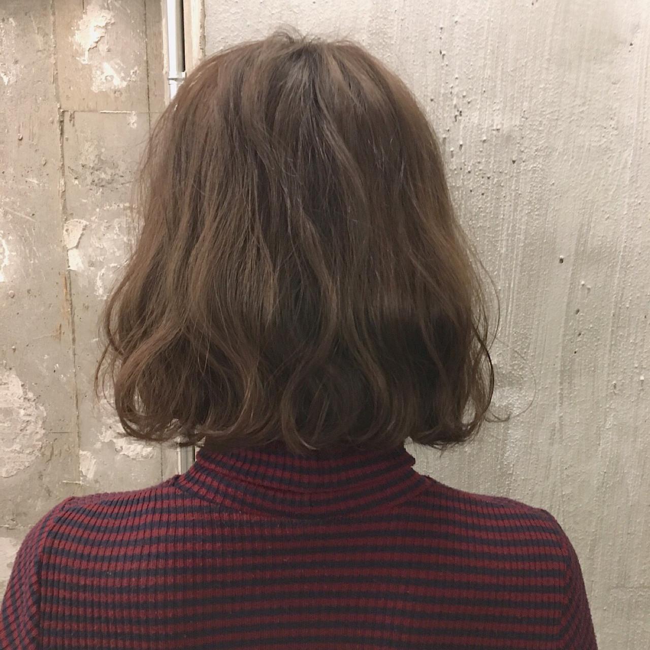 ボブ こなれ感 外ハネ ヘアアレンジ ヘアスタイルや髪型の写真・画像 | 冨永 真太郎 / 人トナリ