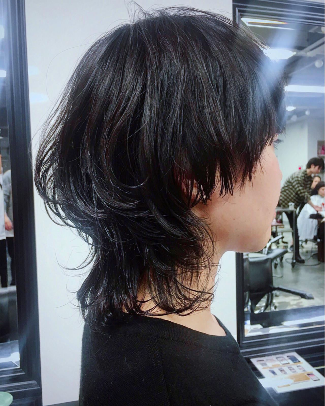 ナチュラル 黒髪 ウルフカット マッシュ ヘアスタイルや髪型の写真・画像