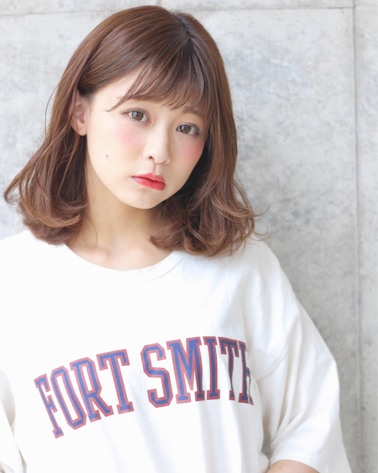 ウェーブ リラックス 女子会 ミディアム ヘアスタイルや髪型の写真・画像 | Wataru Maeda / cache cache