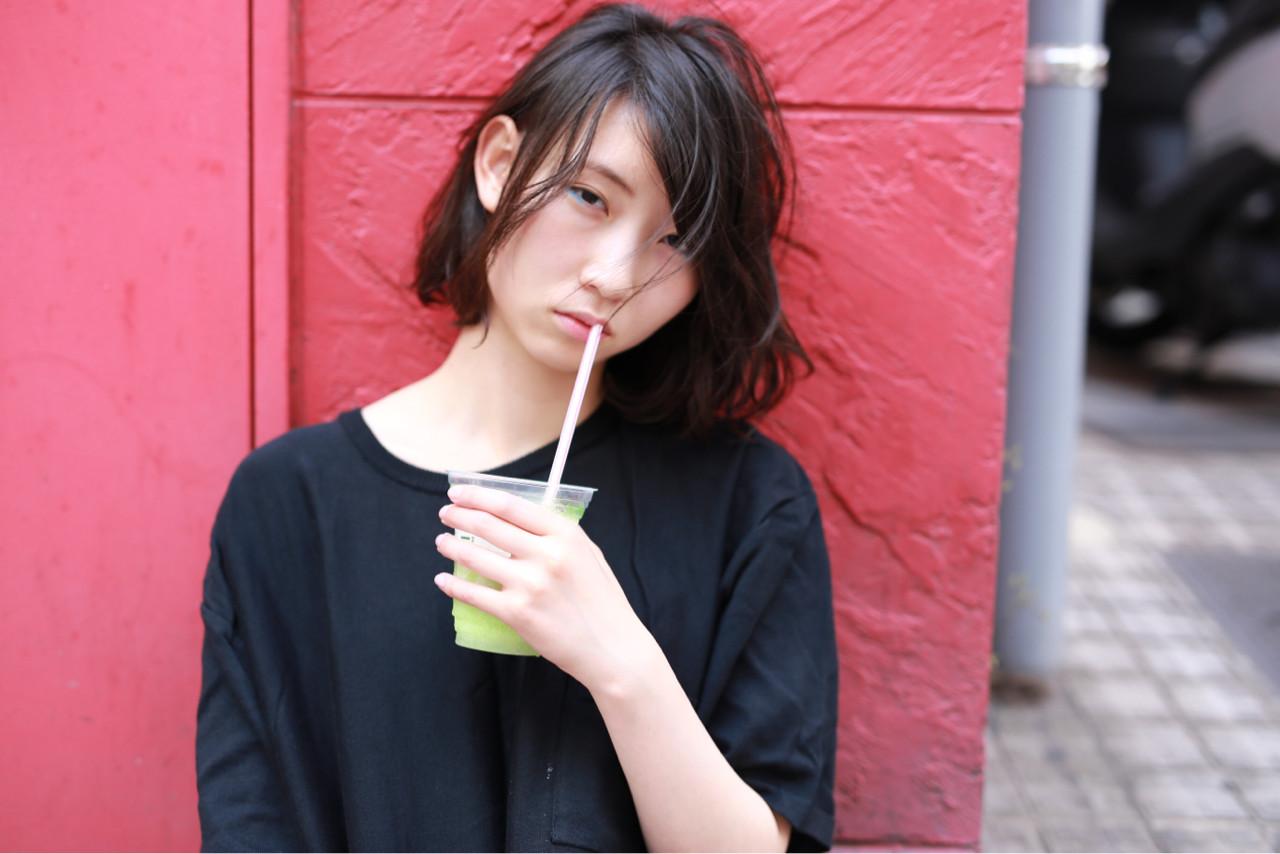 ストリート 暗髪 パーマ ゆるふわ ヘアスタイルや髪型の写真・画像