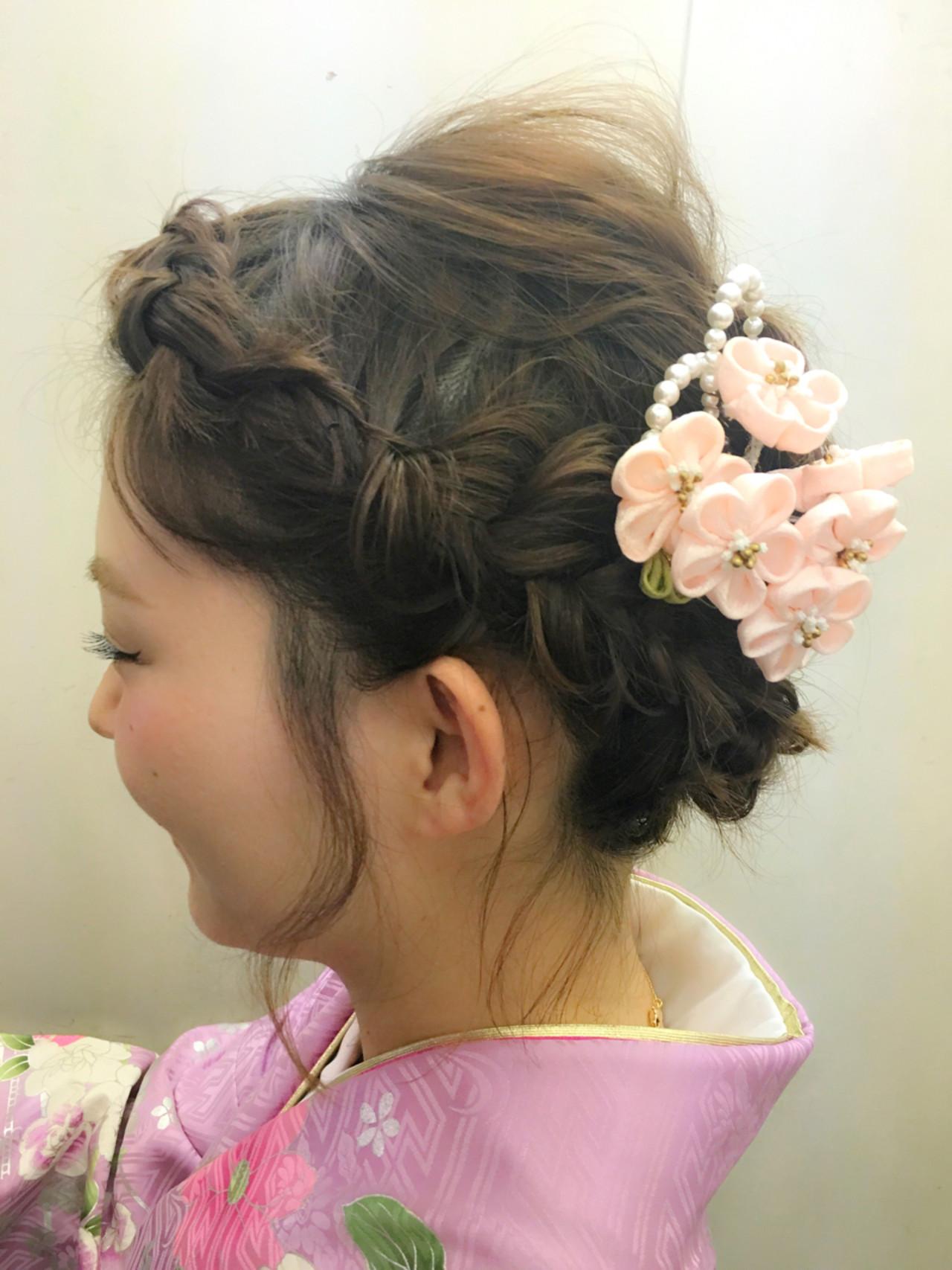 袴 ナチュラル くるりんぱ 編み込み ヘアスタイルや髪型の写真・画像