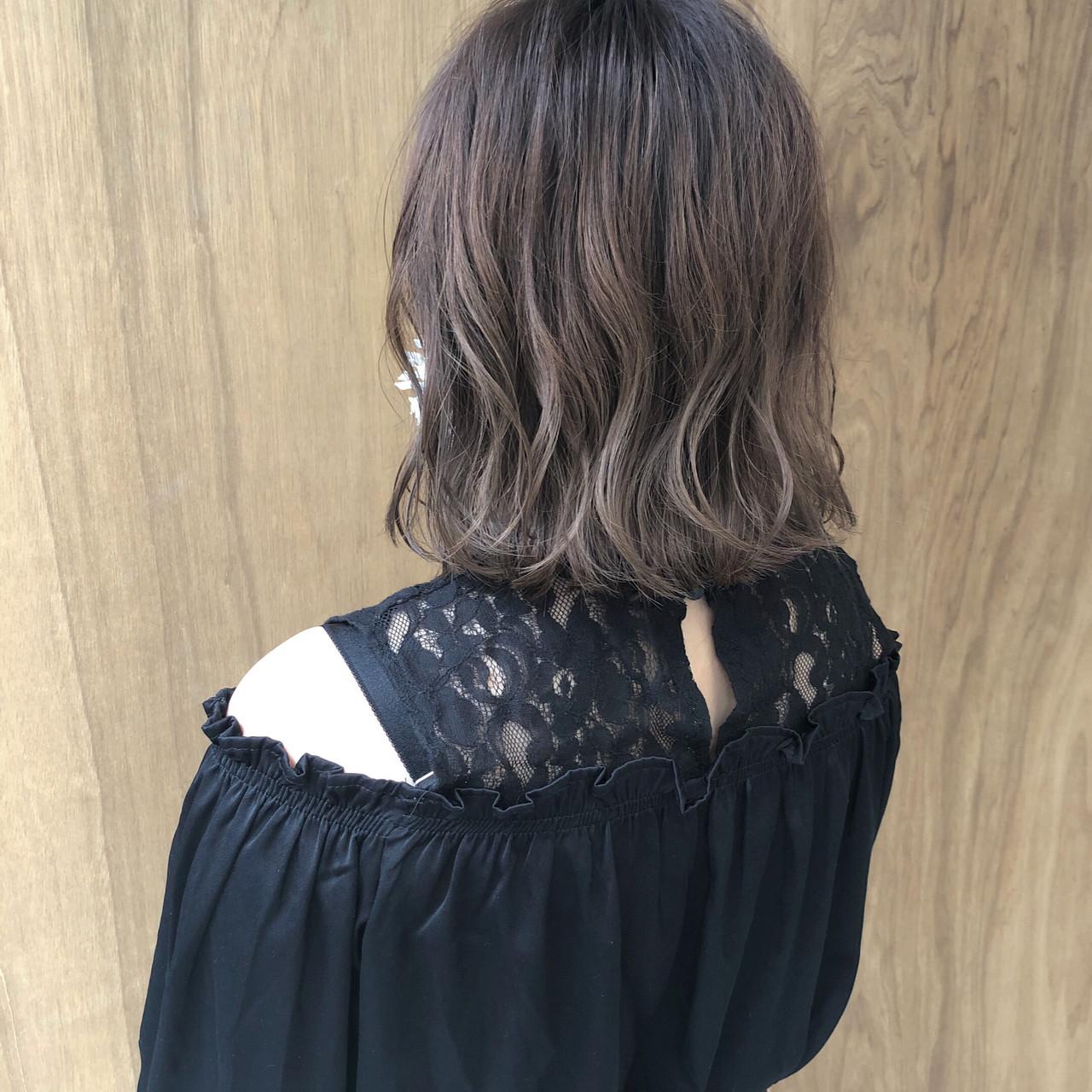 ボブ ショートボブ ショートヘア インナーカラー ヘアスタイルや髪型の写真・画像 | 松井勇樹 / TWiGGY  歩行町店