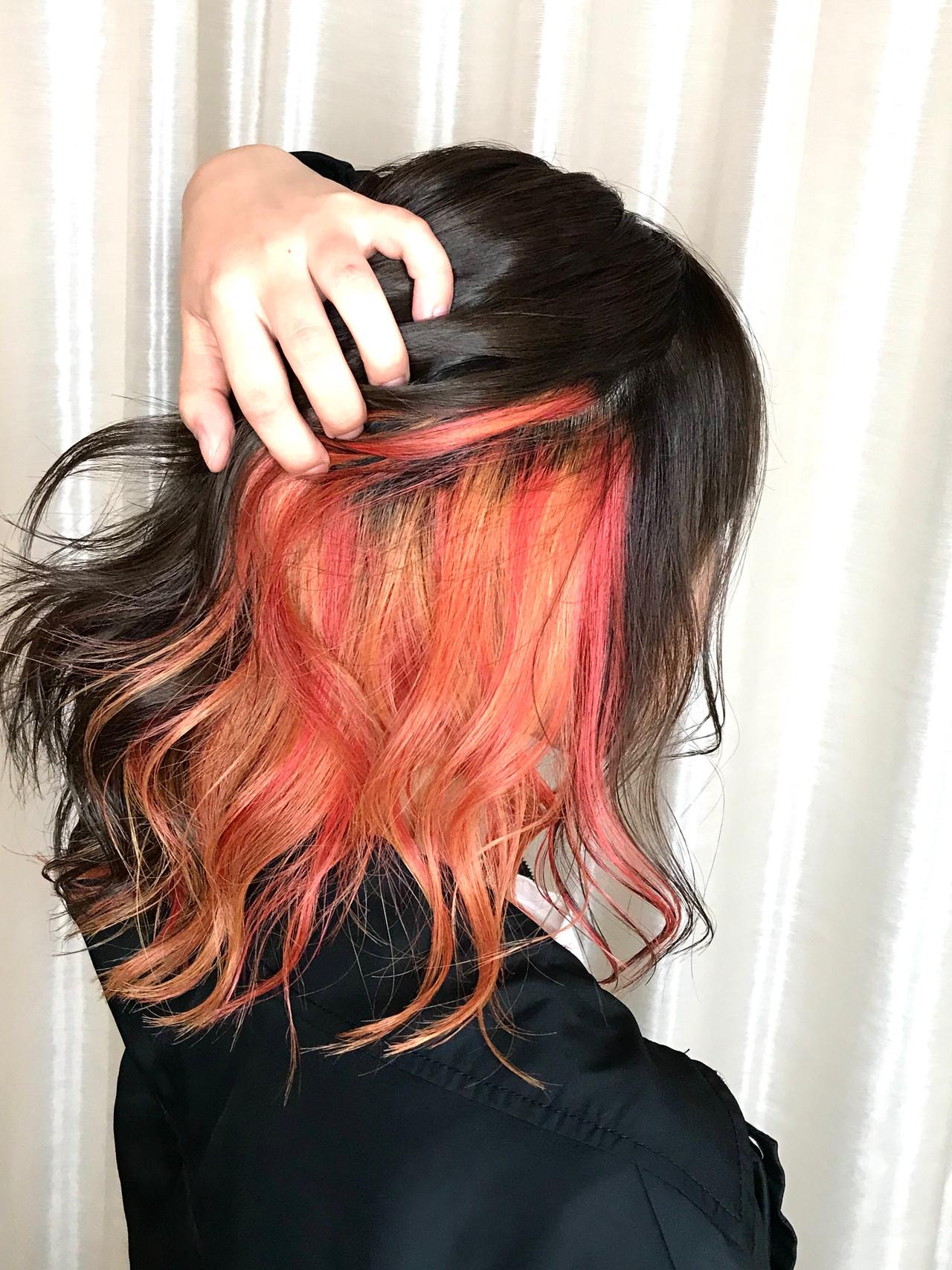 インナーカラーレッド オレンジカラー ナチュラル オレンジ ヘアスタイルや髪型の写真・画像