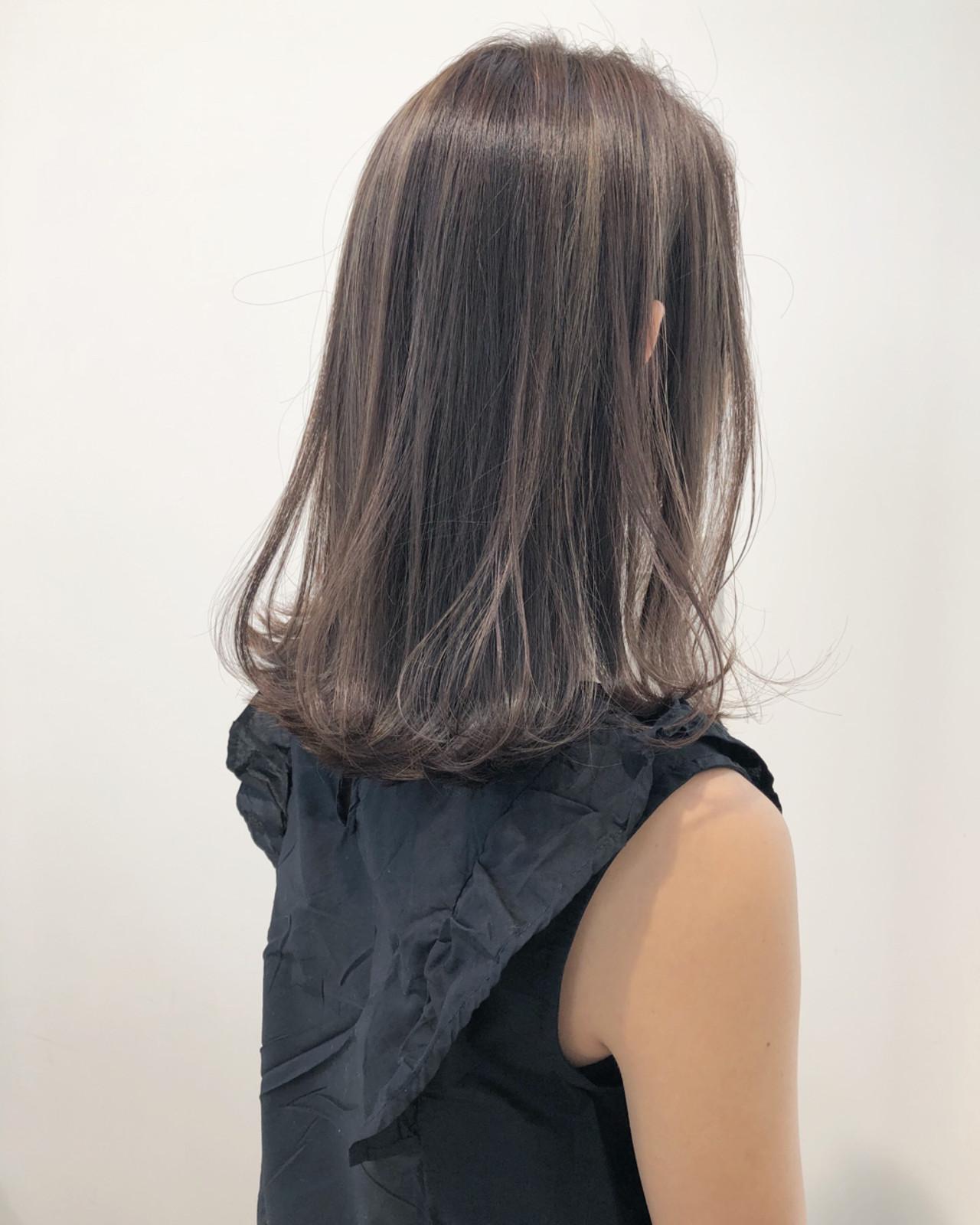 ハイライト グレージュ フェミニン ナチュラル ヘアスタイルや髪型の写真・画像 | 市岡 久 / BLANCOtres