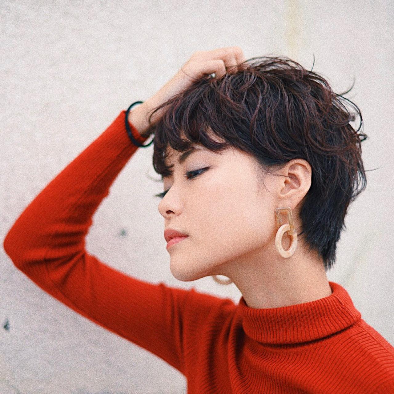 ピンク ウェーブ レッド パーマ ヘアスタイルや髪型の写真・画像   根岸和也 / studio menos