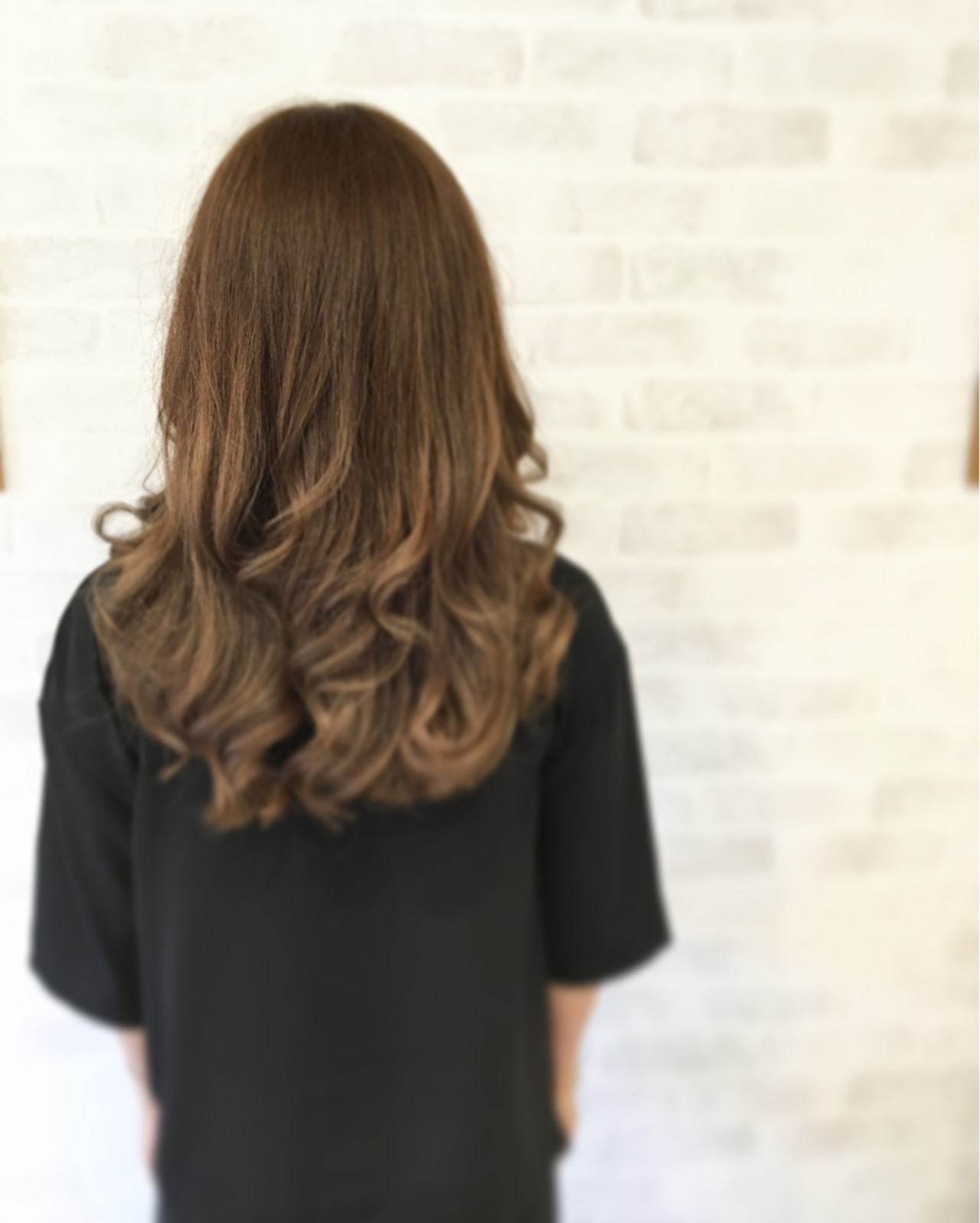 アッシュベージュ ロング コンサバ 外国人風 ヘアスタイルや髪型の写真・画像