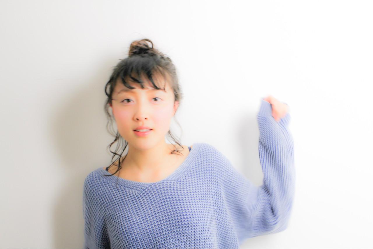簡単ヘアアレンジ お団子 こなれ感 デート ヘアスタイルや髪型の写真・画像   和田 成泰 / LAXA HAIR WORKS