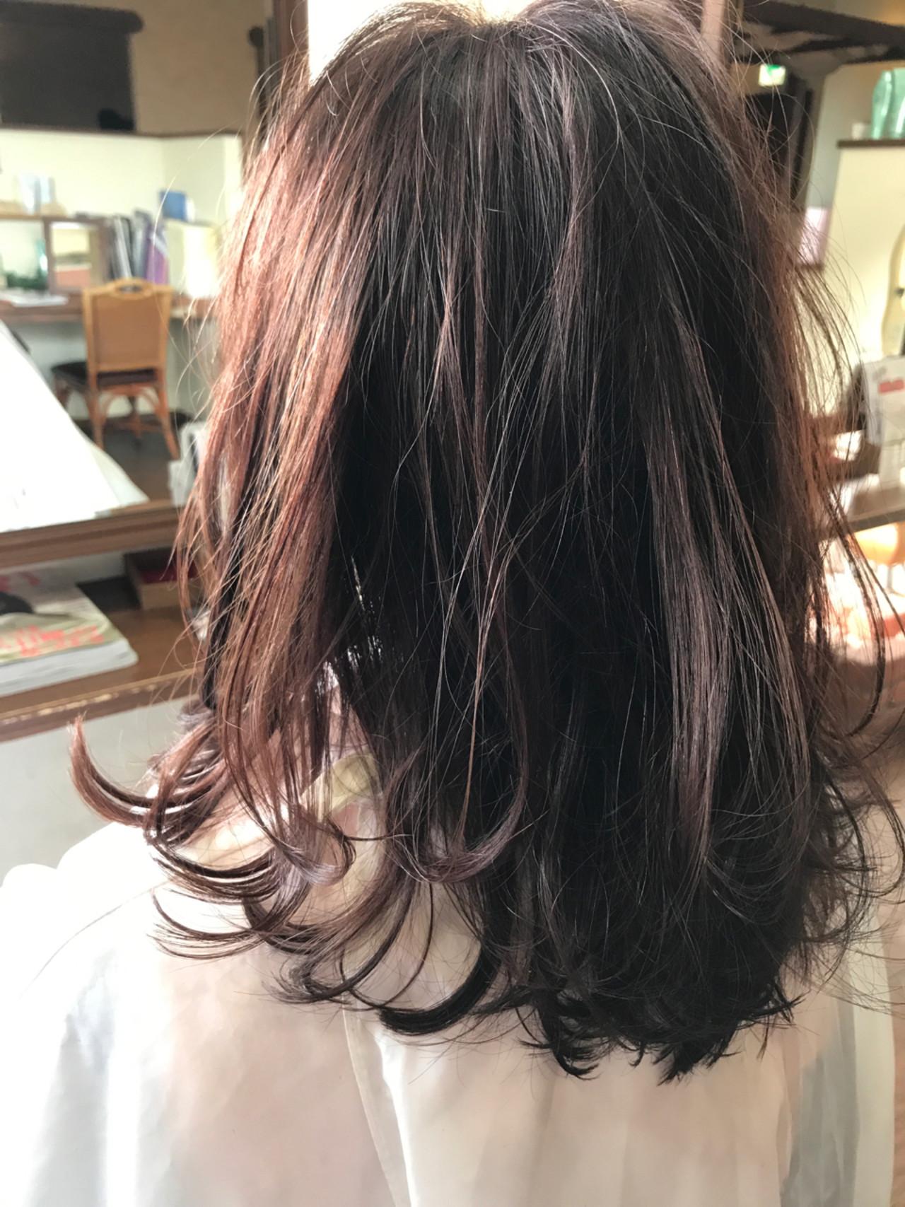 冬 ナチュラル レッド ベージュ ヘアスタイルや髪型の写真・画像   Naoki Tamura / 、
