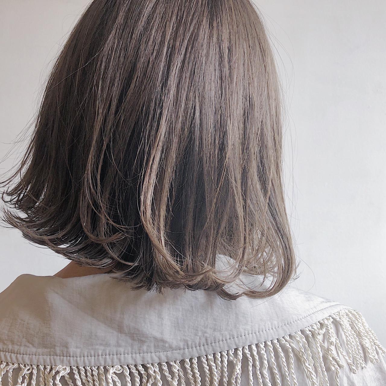 ブリーチ ボブ ウェットヘア 外ハネ ヘアスタイルや髪型の写真・画像