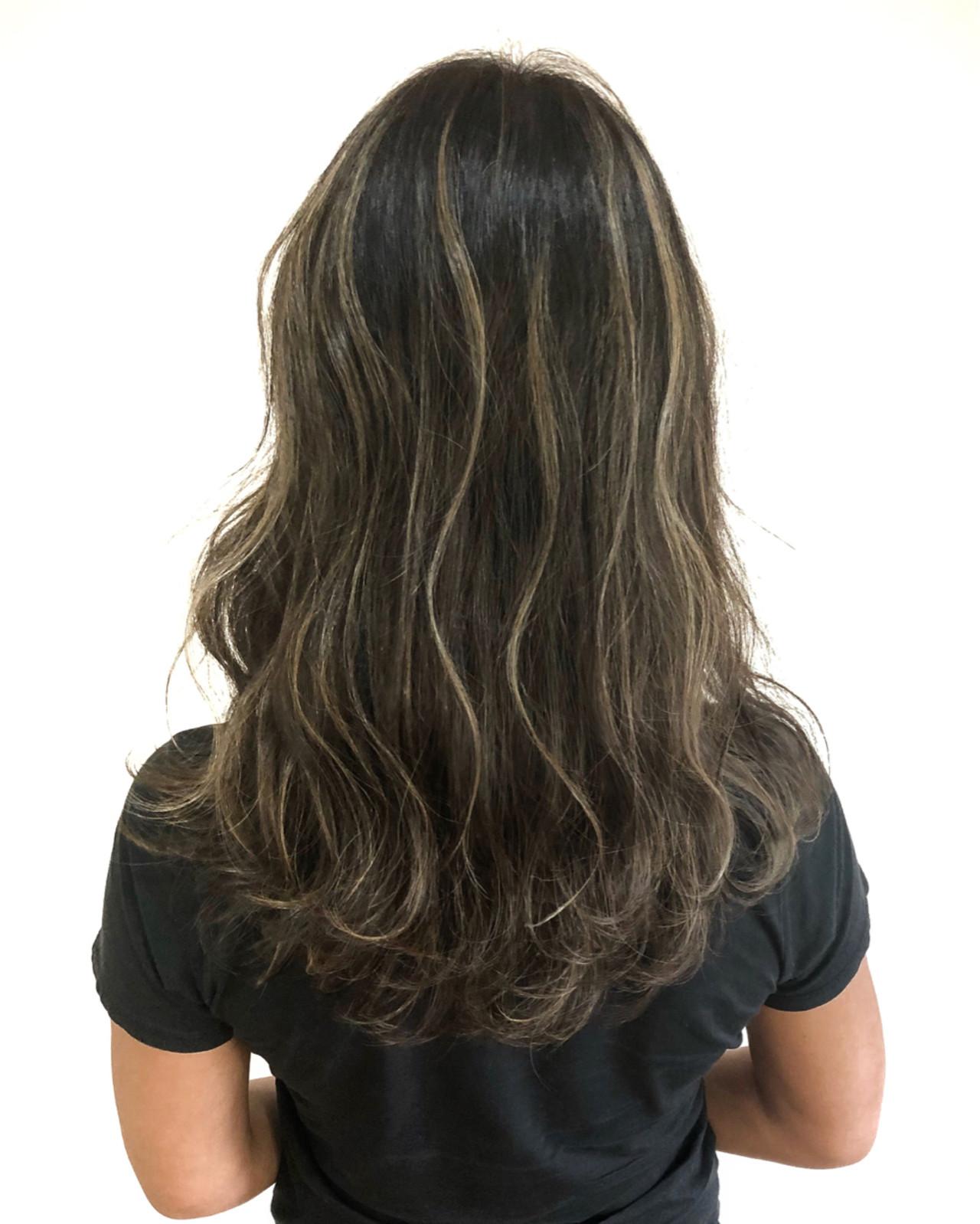 外国人風 ミディアム フェミニン ハイライト ヘアスタイルや髪型の写真・画像