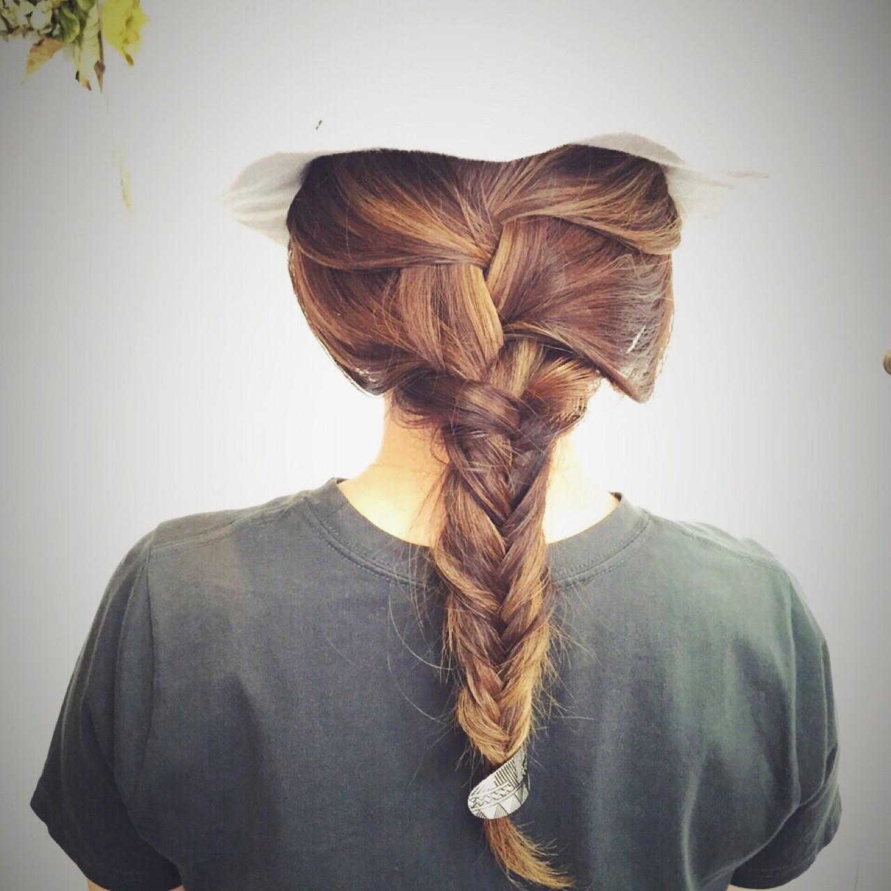 ヘアアレンジ フィッシュボーン 夏 セミロング ヘアスタイルや髪型の写真・画像