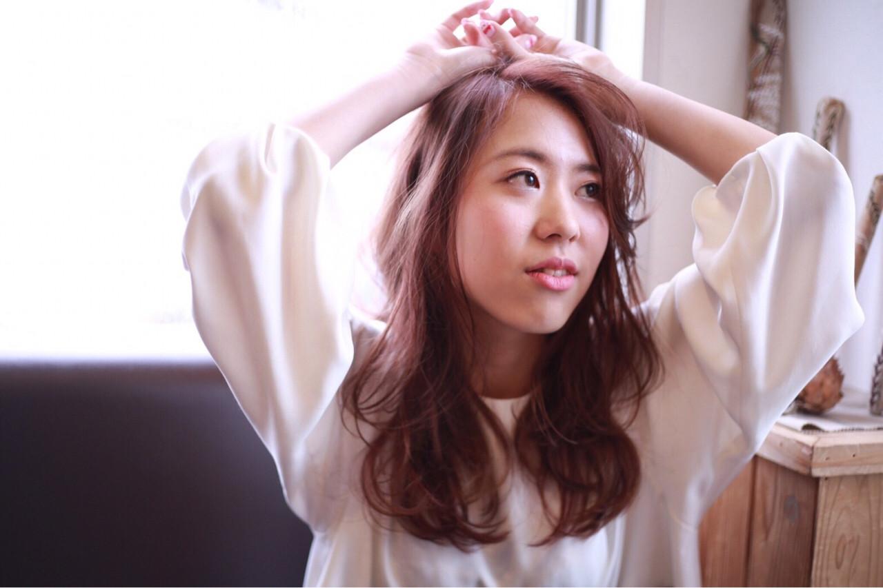 手抜きに見えないゆるさが魅力♡敏腕美容師さんおすすめ最新「抜け感ヘア」 Mikako Nishioka