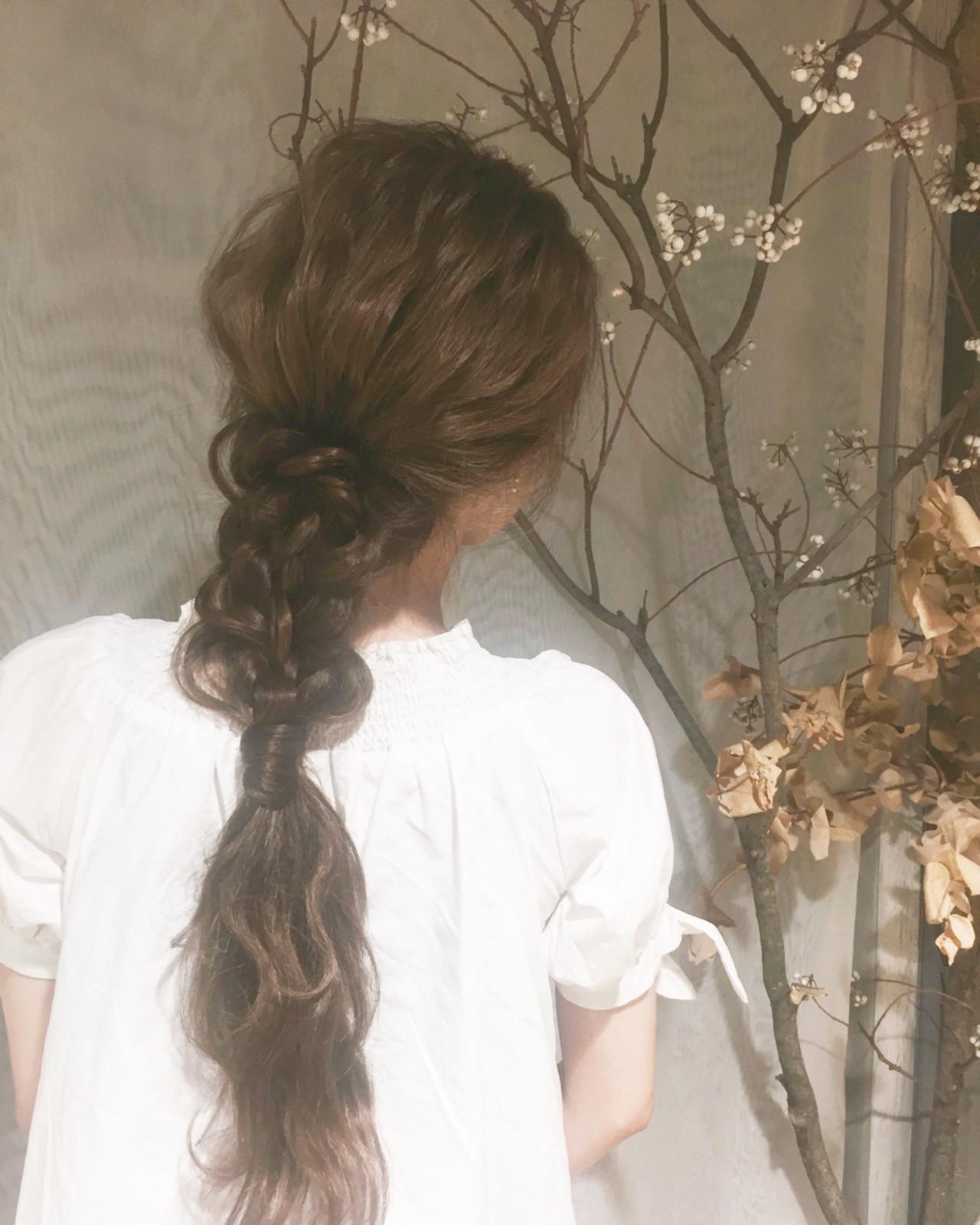 ウェーブ ナチュラル ポニーテール アンニュイ ヘアスタイルや髪型の写真・画像