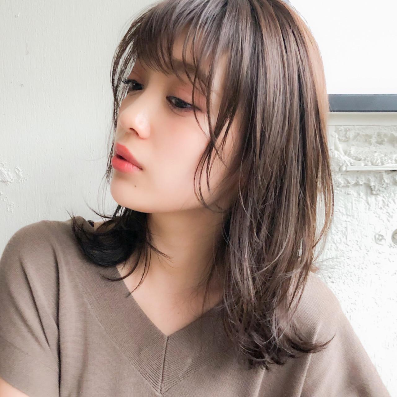 鎖骨ミディアム ミルクティーベージュ フェミニン ミディアム ヘアスタイルや髪型の写真・画像