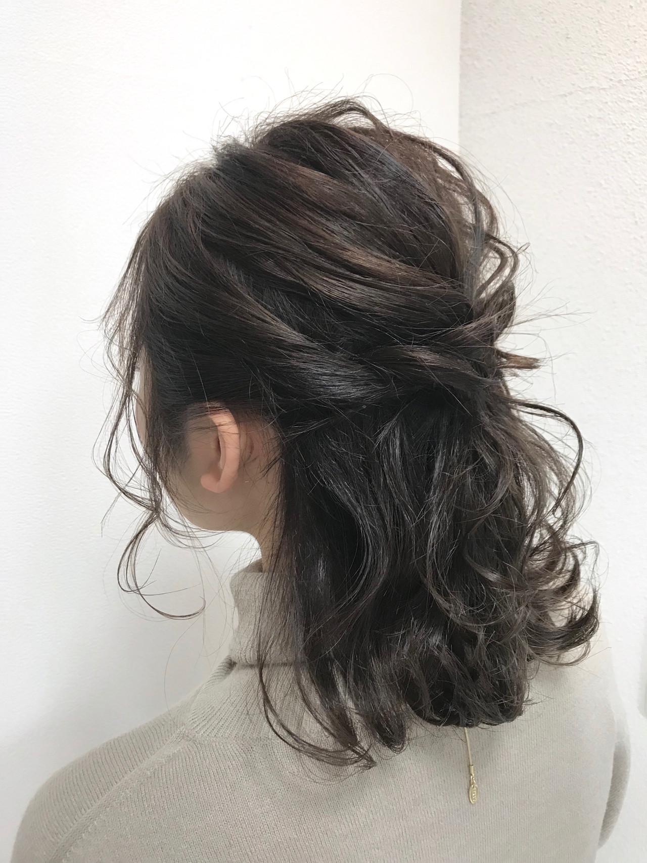 ヘアアレンジ フェミニン 結婚式 簡単ヘアアレンジ ヘアスタイルや髪型の写真・画像   村西 郁人 / rue