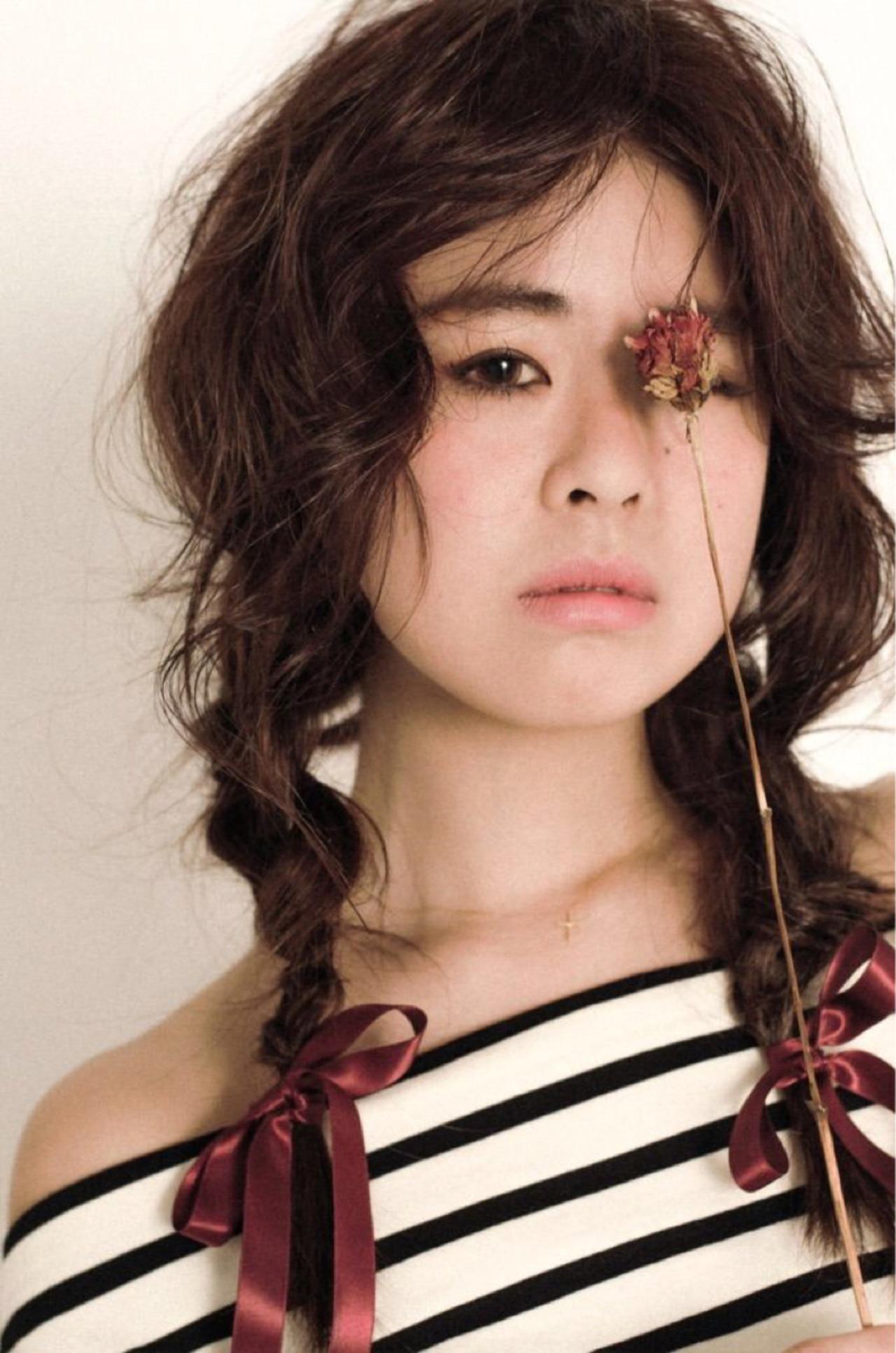 ヘアアレンジ 三つ編み セミロング 70年代 ヘアスタイルや髪型の写真・画像 | 遠藤 栞 / Ichia(イチア)