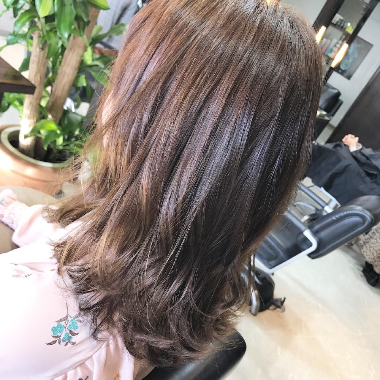 簡単ヘアアレンジ セミロング フェミニン 冬 ヘアスタイルや髪型の写真・画像 | 石丸 智也 / Mignon