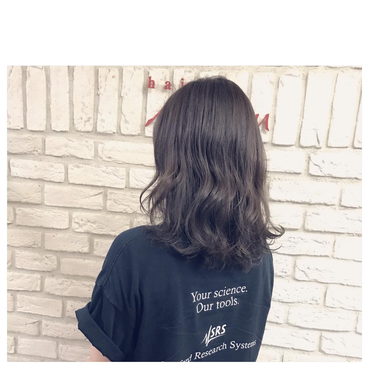 ガーリー ラベンダーアッシュ ラベンダー グレージュ ヘアスタイルや髪型の写真・画像