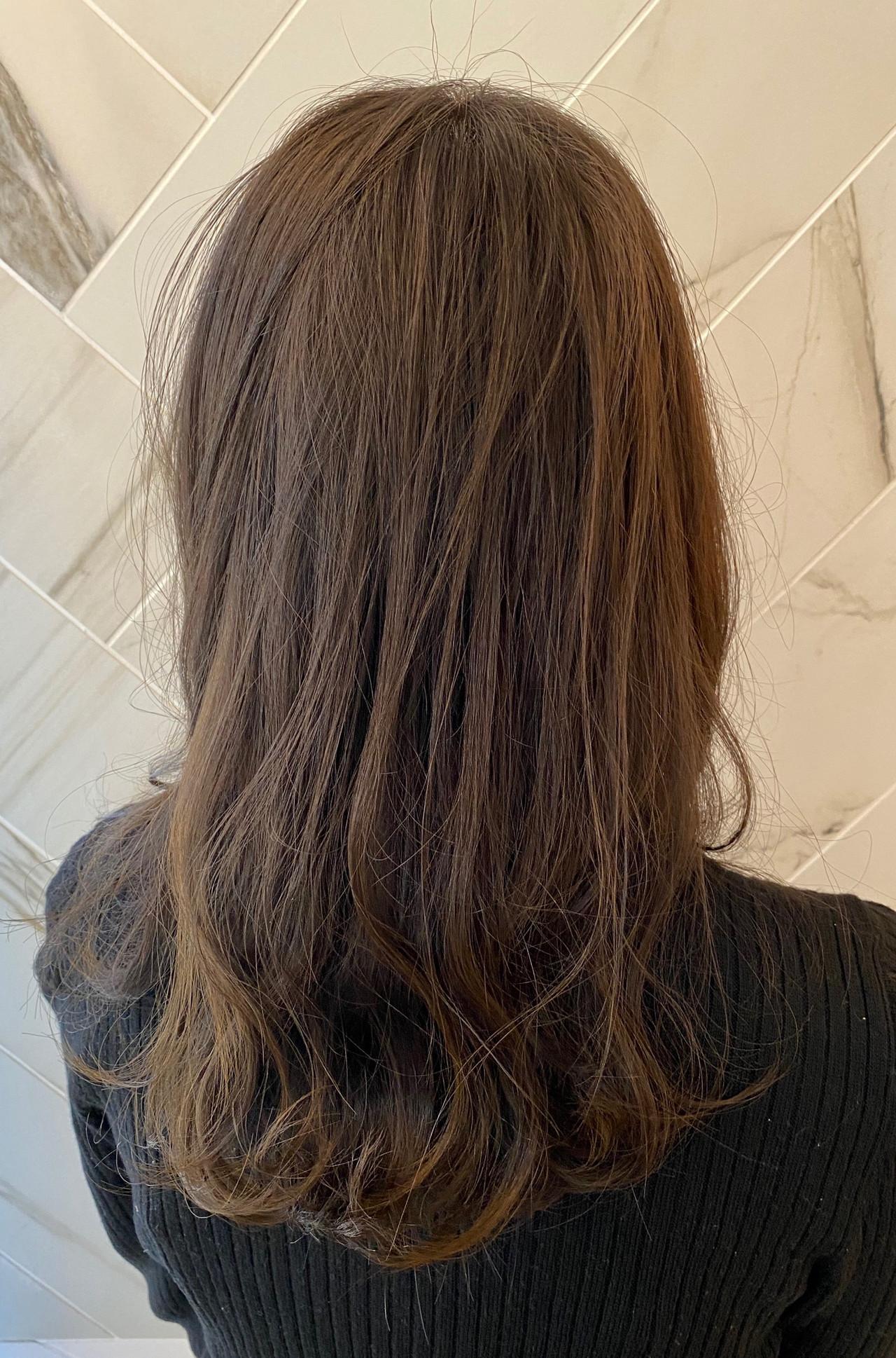 アンニュイ 銀座美容室 大人ハイライト ナチュラル ヘアスタイルや髪型の写真・画像 | 髪質改善、モテ髪カットのプロ!Zina出口耕太郎 / Zina CENTRAL