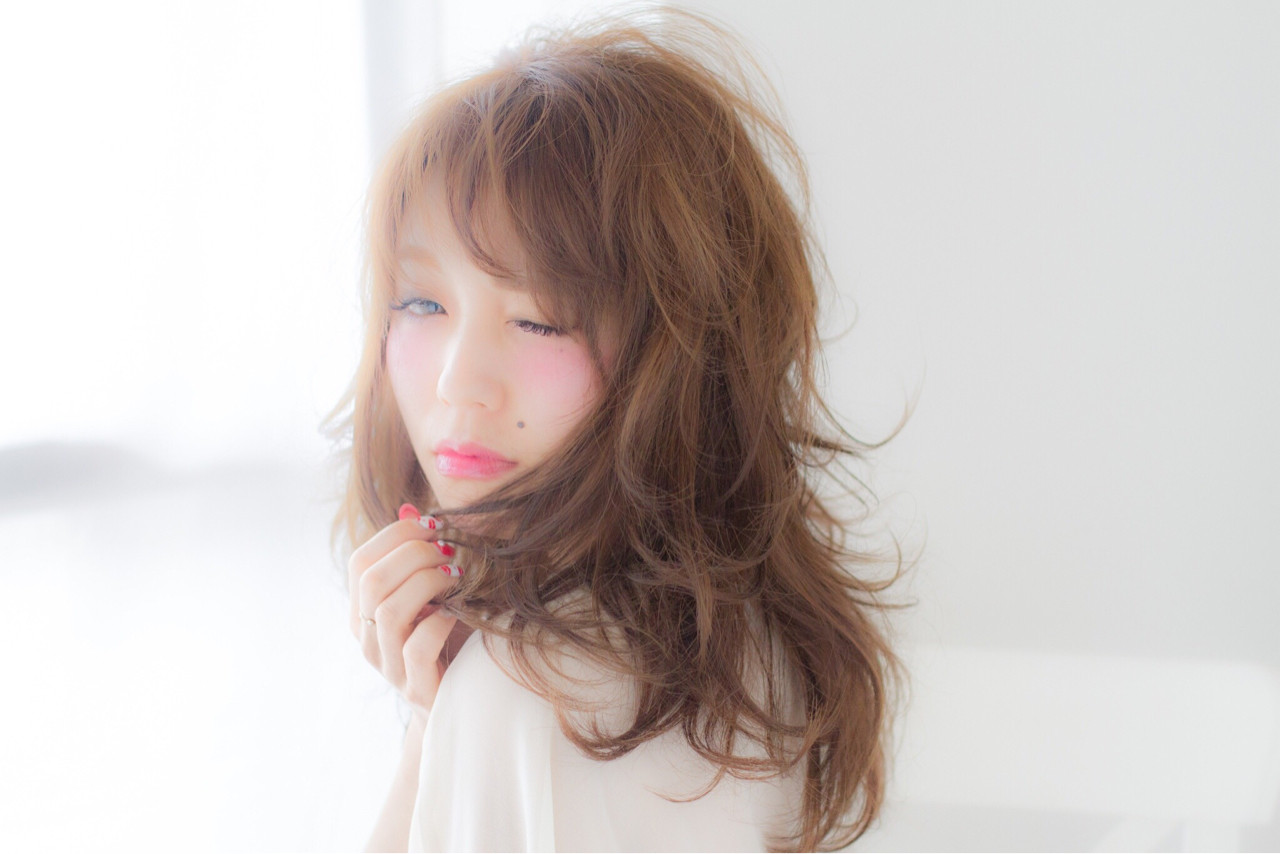 外国人風 セミロング 大人かわいい ナチュラル ヘアスタイルや髪型の写真・画像