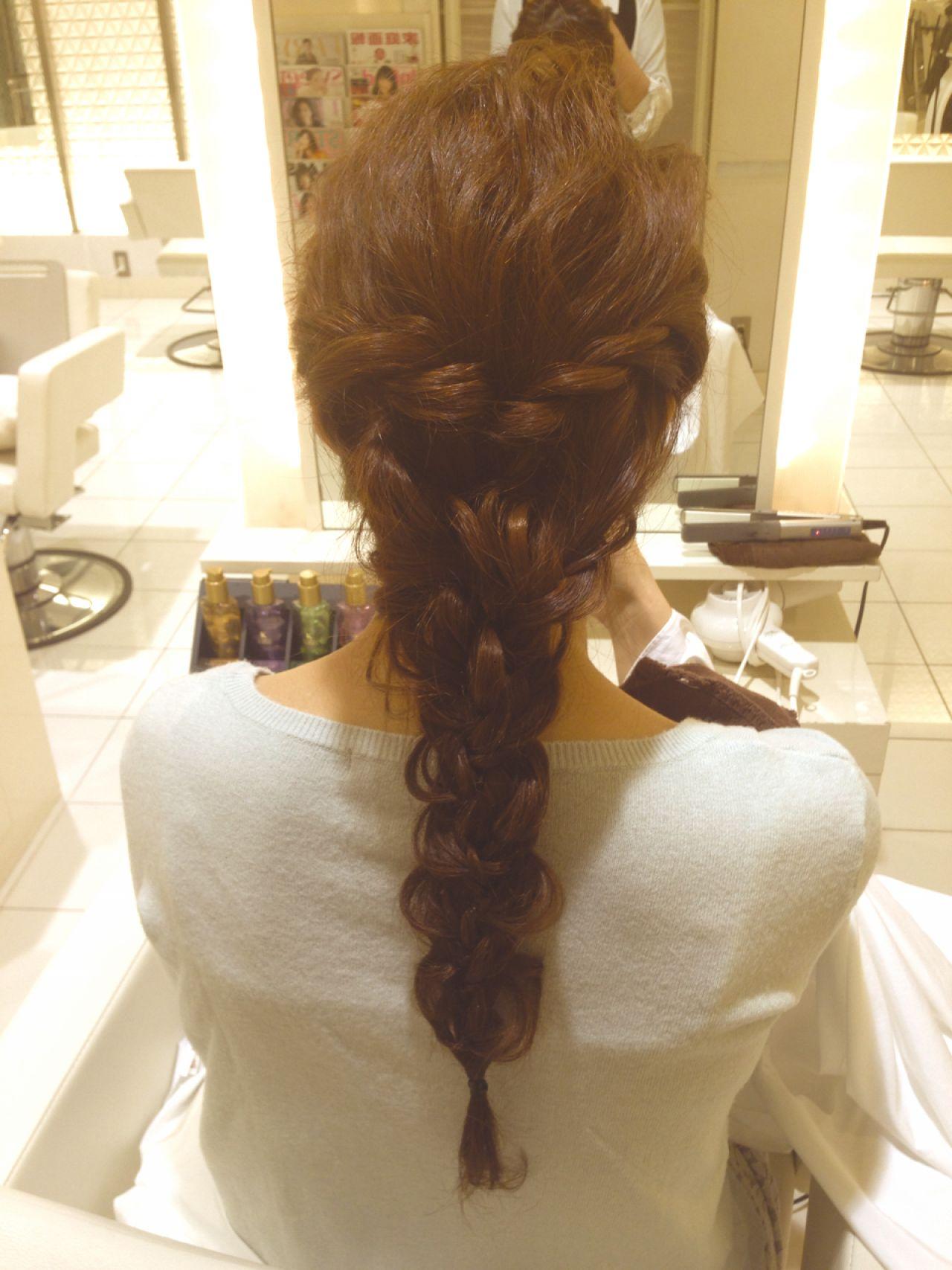 ルーズ コンサバ ショート 三つ編み ヘアスタイルや髪型の写真・画像