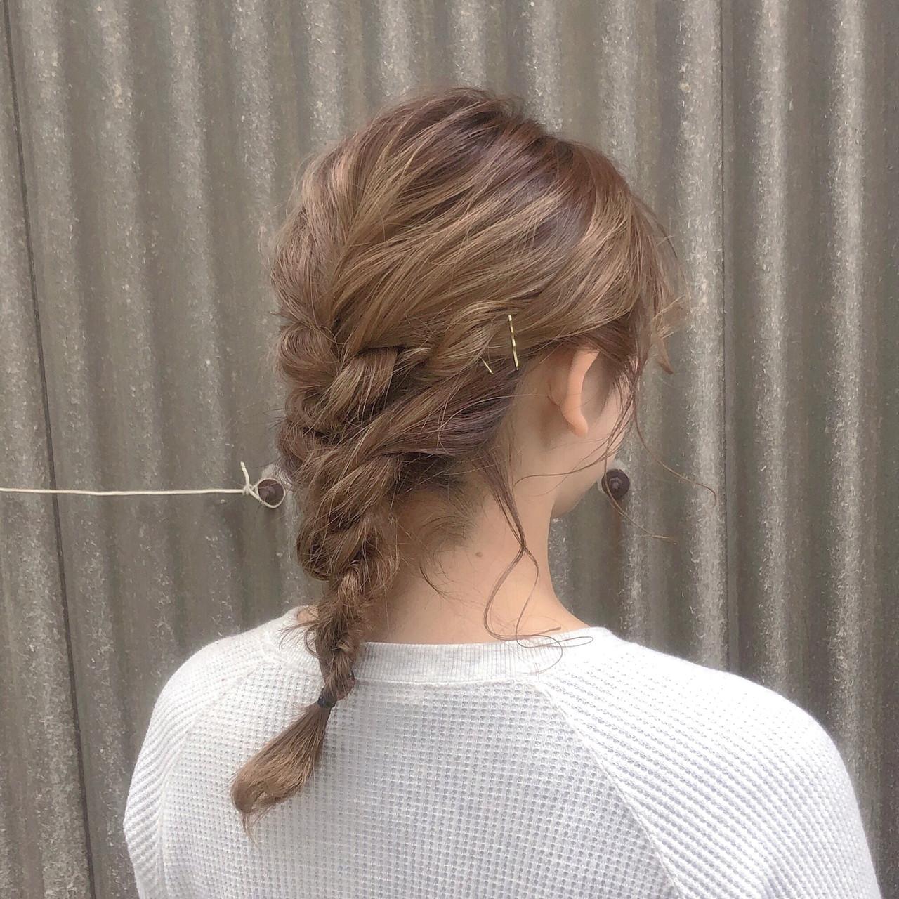ナチュラル ミルクティーベージュ 簡単ヘアアレンジ ミディアム ヘアスタイルや髪型の写真・画像