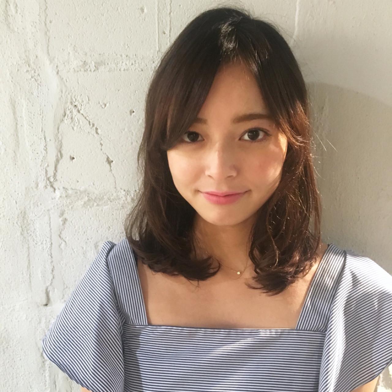 パーマ ストレート ミディアム 縮毛矯正 ヘアスタイルや髪型の写真・画像 | ade omotesando YUKA / ade omotesando