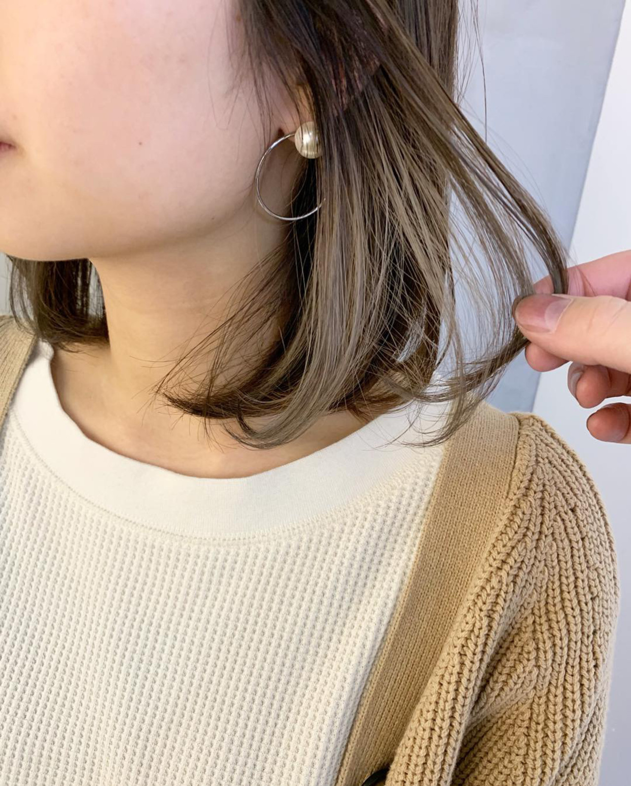 アンニュイほつれヘア インナーカラーホワイト インナーカラー デート ヘアスタイルや髪型の写真・画像   miya/@1031miya / フリーランス(XENA)