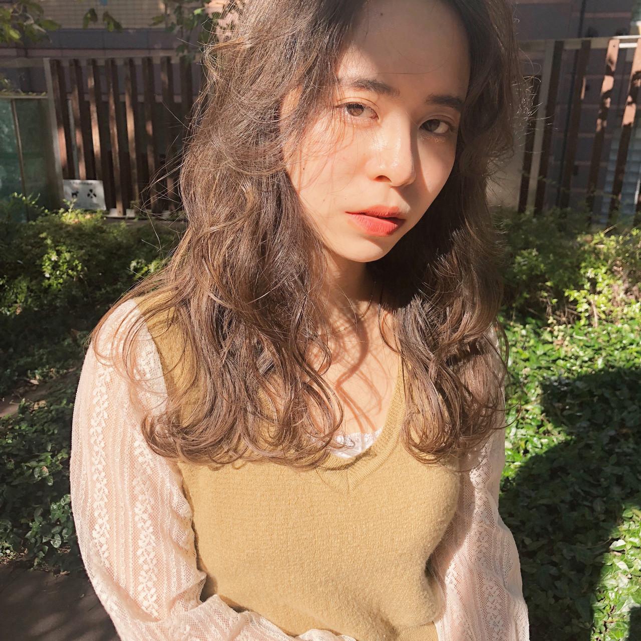 簡単ヘアアレンジ ハイライト アンニュイほつれヘア 大人かわいい ヘアスタイルや髪型の写真・画像