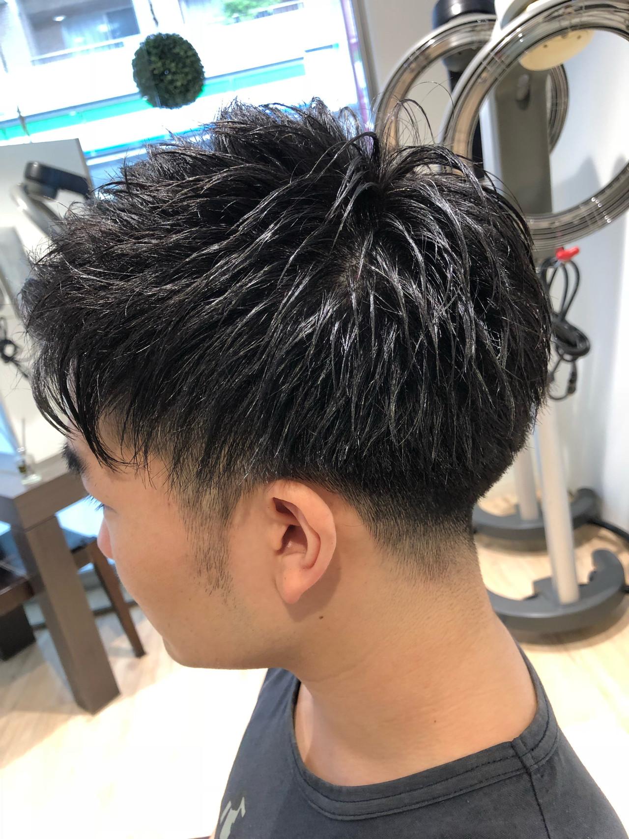 ツーブロック メンズ ナチュラル ショート ヘアスタイルや髪型の写真・画像 | 小泉 俊輔 / toohair