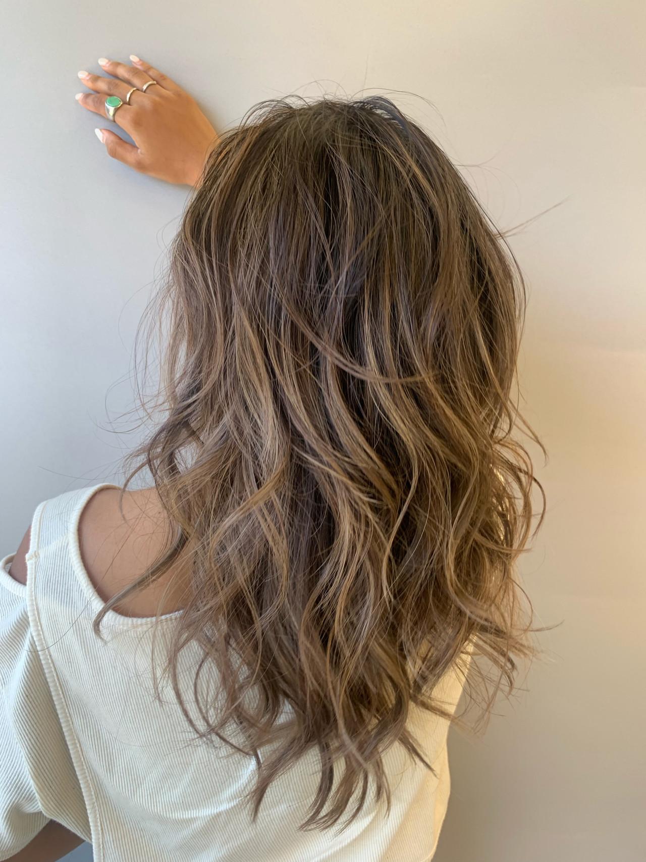 大人ハイライト バレイヤージュ ヘルシースタイル ロング ヘアスタイルや髪型の写真・画像