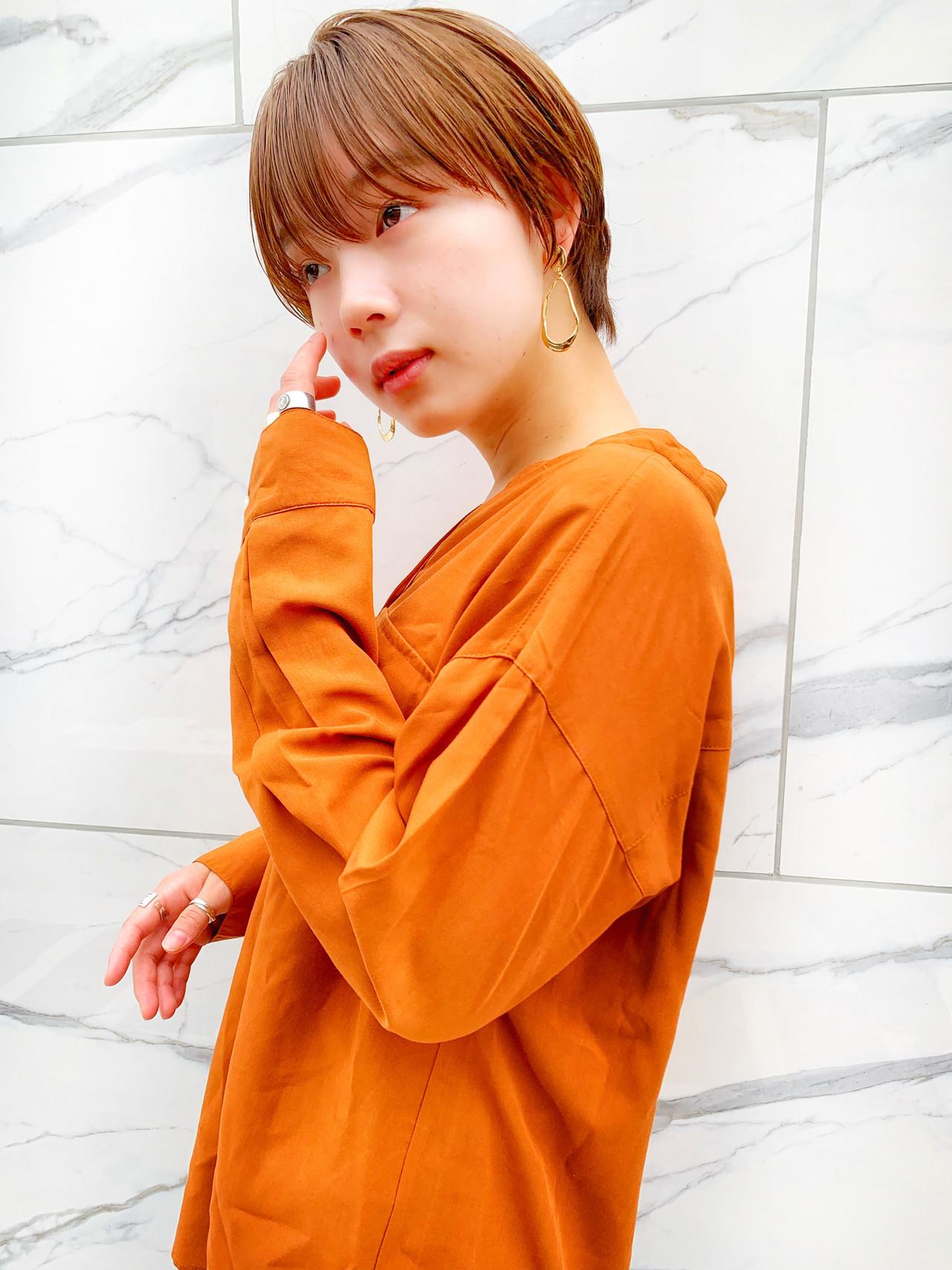 ハンサムショート ナチュラル シースルーバング グレージュ ヘアスタイルや髪型の写真・画像 | MANOHARU 新屋敷 / MANOHARU