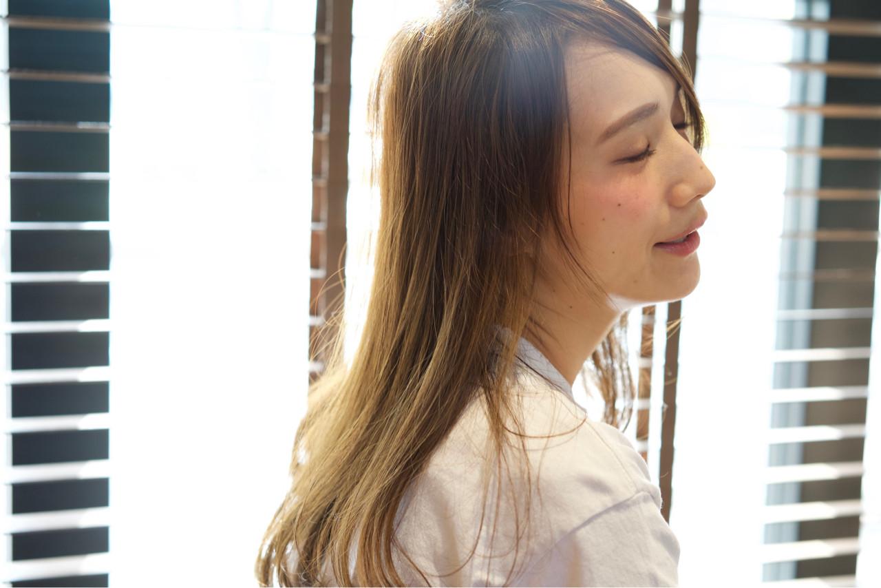 ブラウン ロング 外国人風 ストレート ヘアスタイルや髪型の写真・画像