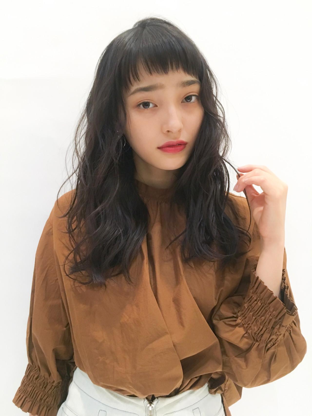 ロング 黒髪 冬 ナチュラル ヘアスタイルや髪型の写真・画像