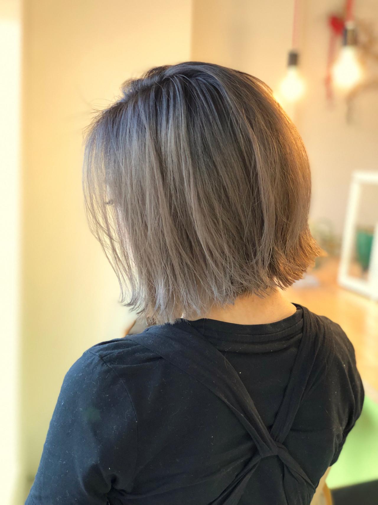 ミルクティー アッシュ ミルクティーベージュ グレージュ ヘアスタイルや髪型の写真・画像