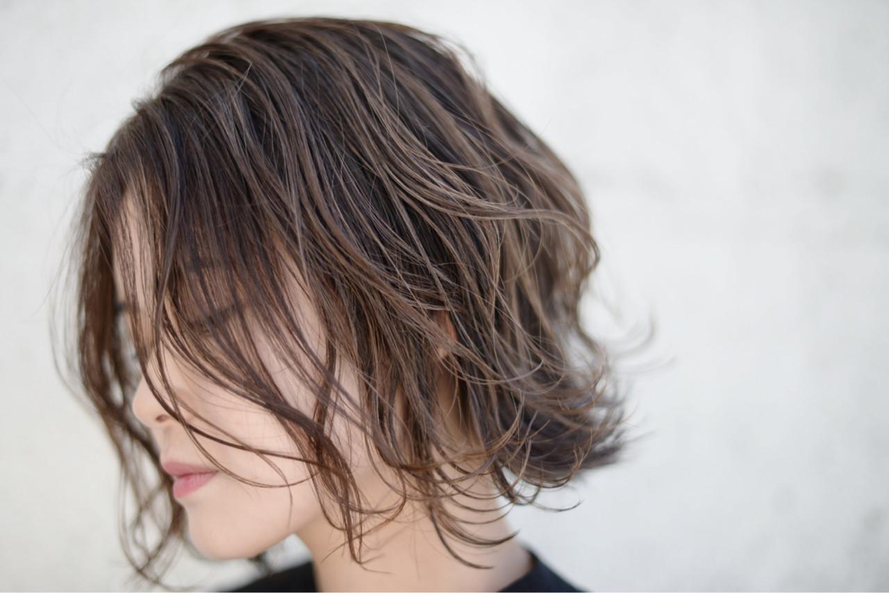 色気 外国人風 ボブ ストリート ヘアスタイルや髪型の写真・画像