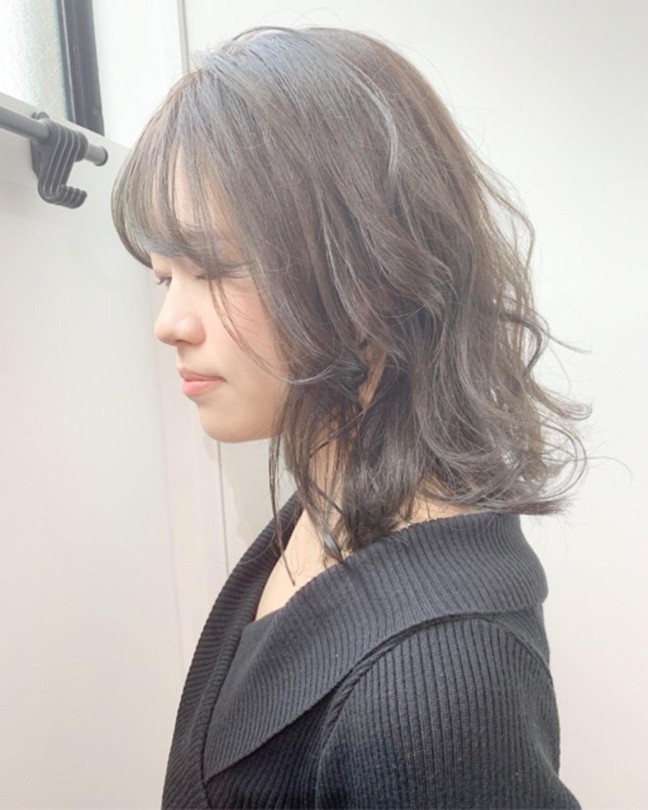 アッシュグレージュ ミルクティーベージュ アッシュグレー ナチュラル ヘアスタイルや髪型の写真・画像 | COM PASS タイチ / COM PASS