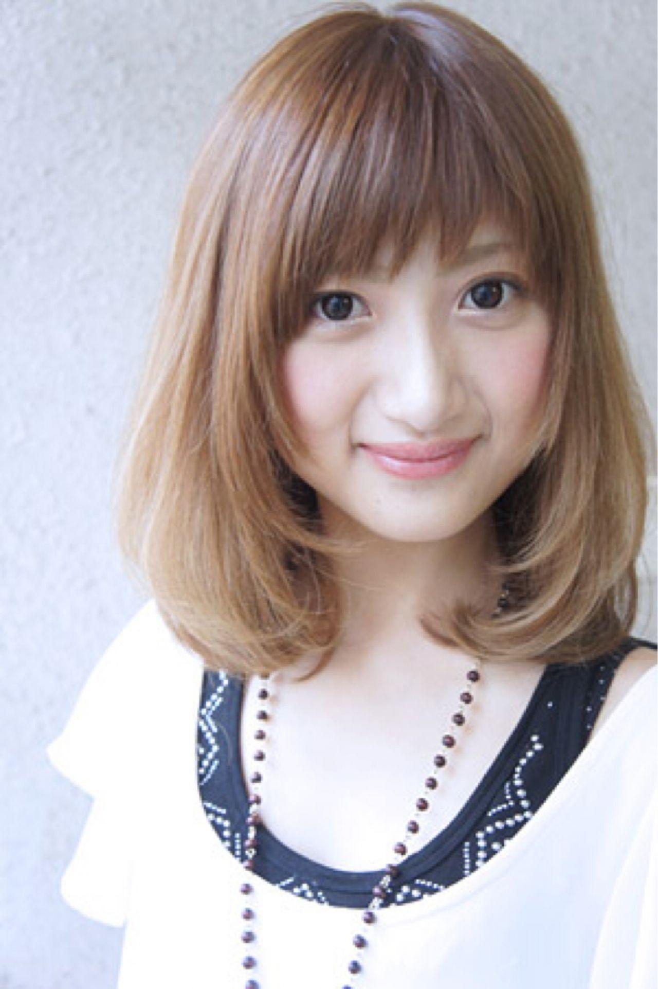 ミディアム フェミニン スウィート ナチュラル ヘアスタイルや髪型の写真・画像   田村ジュン / FLAVIA
